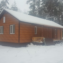 Строительство  зимой. Домик на турбазе